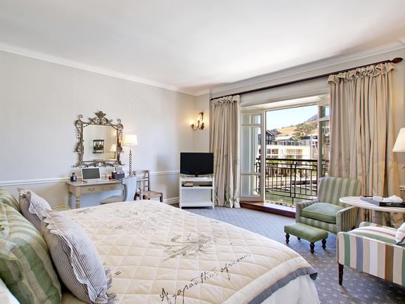 table_mountain_luxury_bedroom